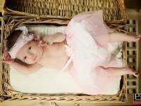 fotografia dietata novorodenec