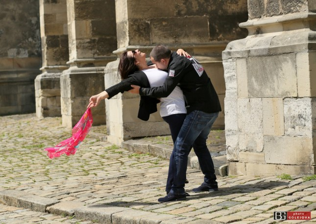 rande v Bratislave tango v Parizi