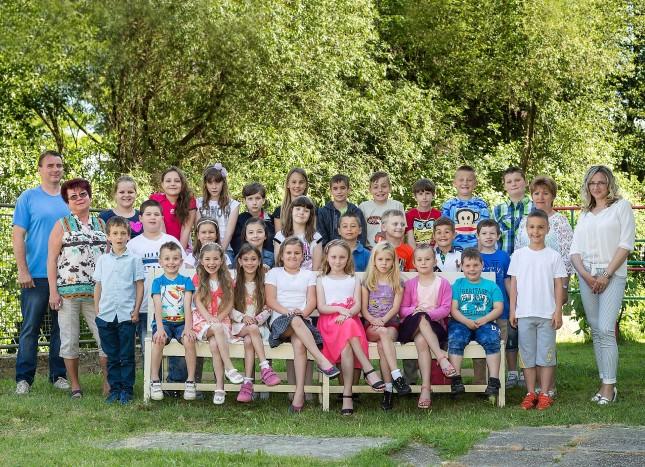 01 ZS 1_4 skolska fotka Vinosady