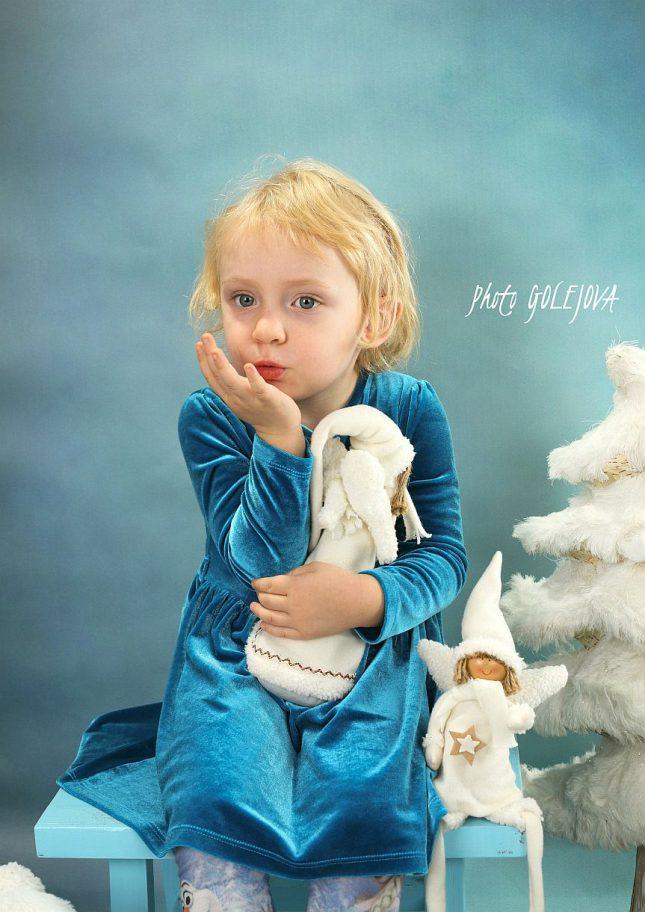 24-vianoce-s-anjelmi