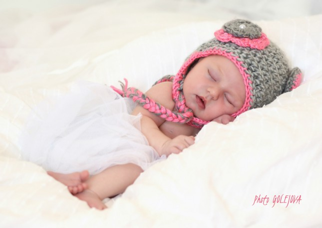 048 spiaci medvedik novorodenec