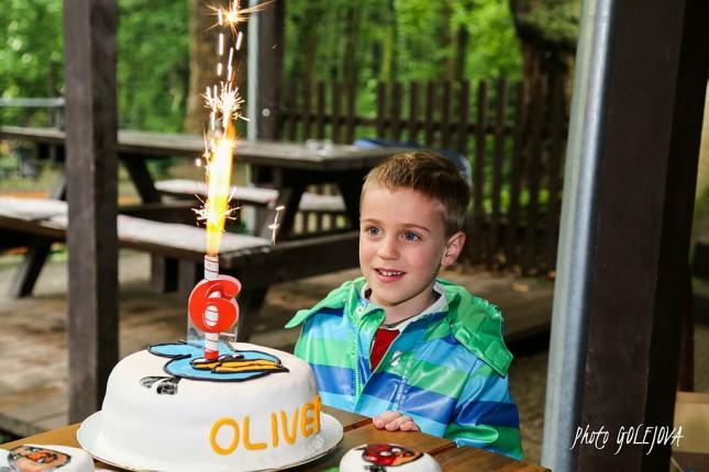 oslava narodeniny chlapec