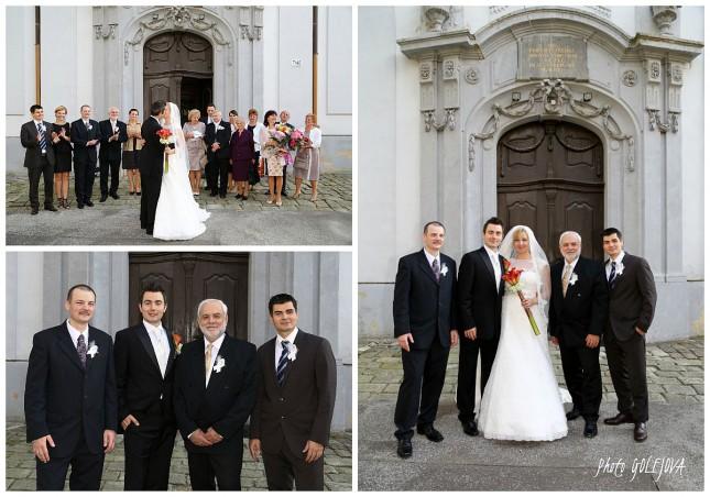 spolocne foto pred kostolom
