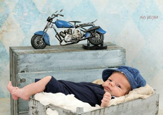 Sebastian novorodenec motorka