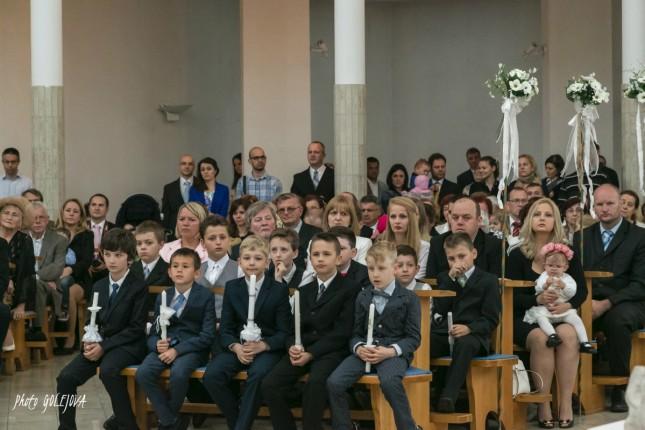 20 chlapci prve svate prijimanie oblecenie