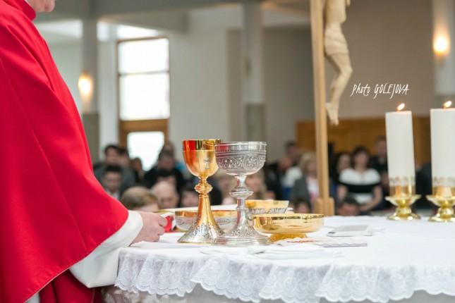 34 oltar eucharistia