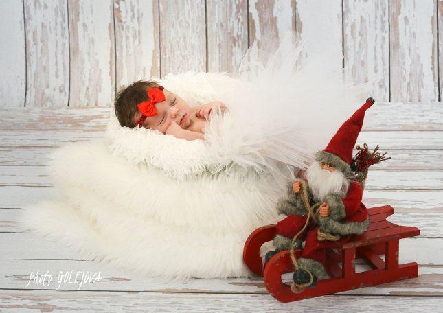 08-vianocne-novorodenec